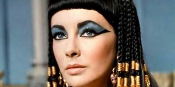 Elizabeth-Taylor-Top-Tenz-Cleopatra.jpg-800×1006