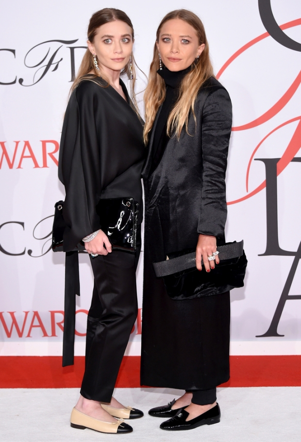NEW YORK, NY - JUNE 01:  (L-R) Ashley Olsen and Mary-Kate Olsen attend the 2015 CFDA Fashion Awards at Alice Tully Hall at Lincoln Center on June 1, 2015 in New York City.  (Photo by Andrew H. Walker/FilmMagic)
